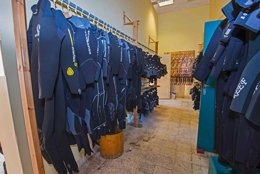 makadi diving center shop
